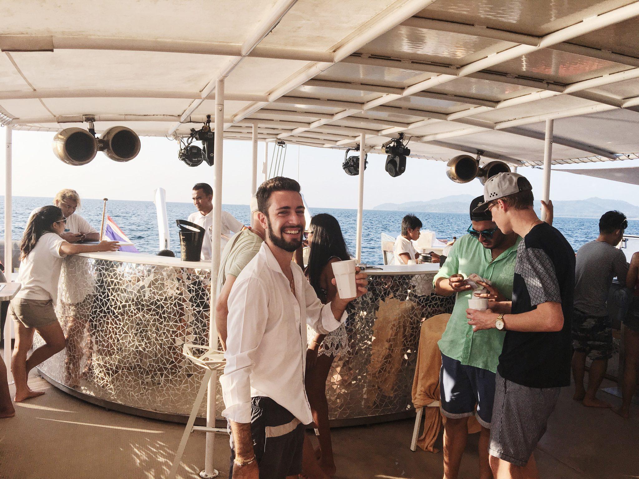 Hype-luxury-boat-karlaroundtheworld