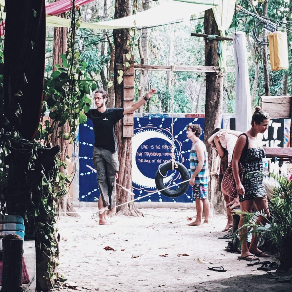 Tonsai Karlaroundtheworld