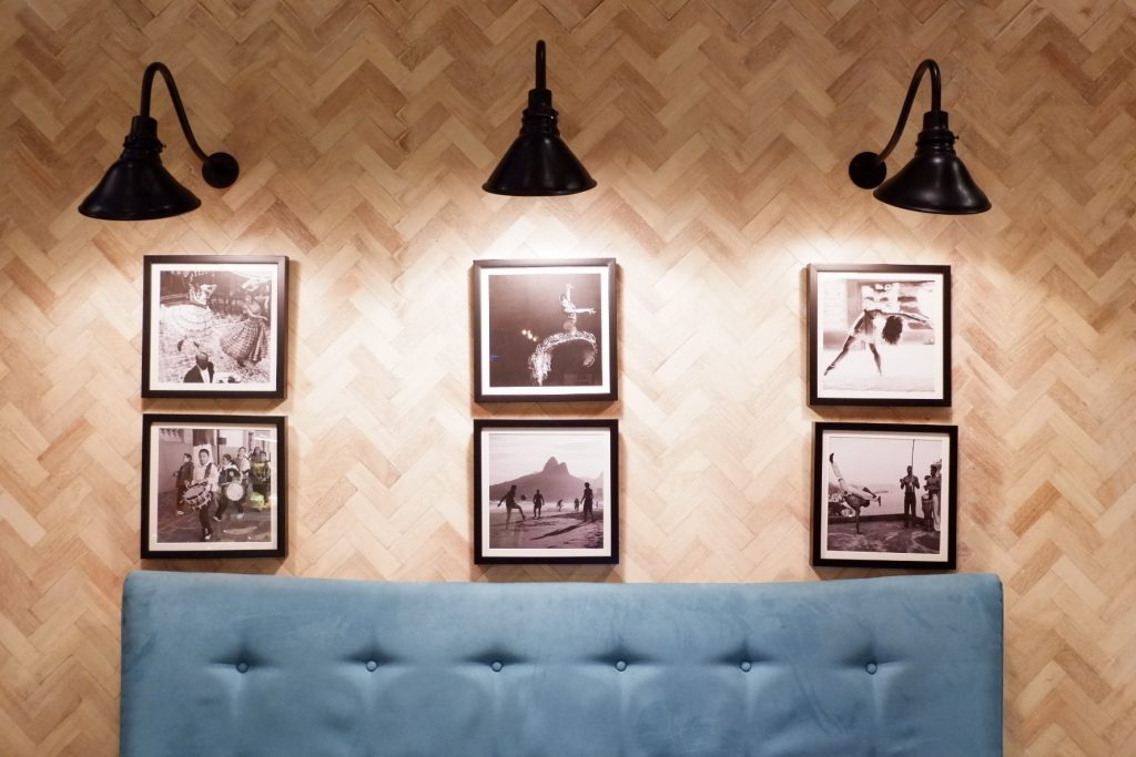 Cafe-Enye-Wall