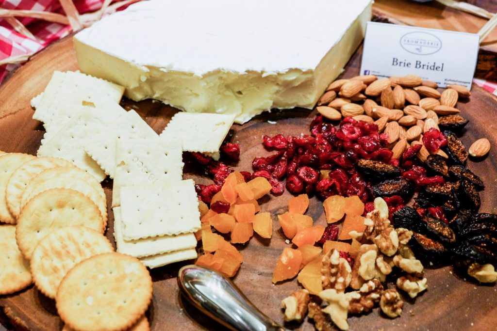 La-Petite-Fromagerie-Cheese-Buffet