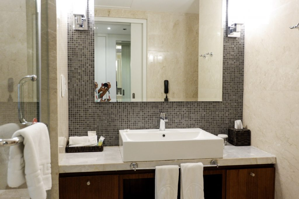 Richmonde-iloilo-bathroom