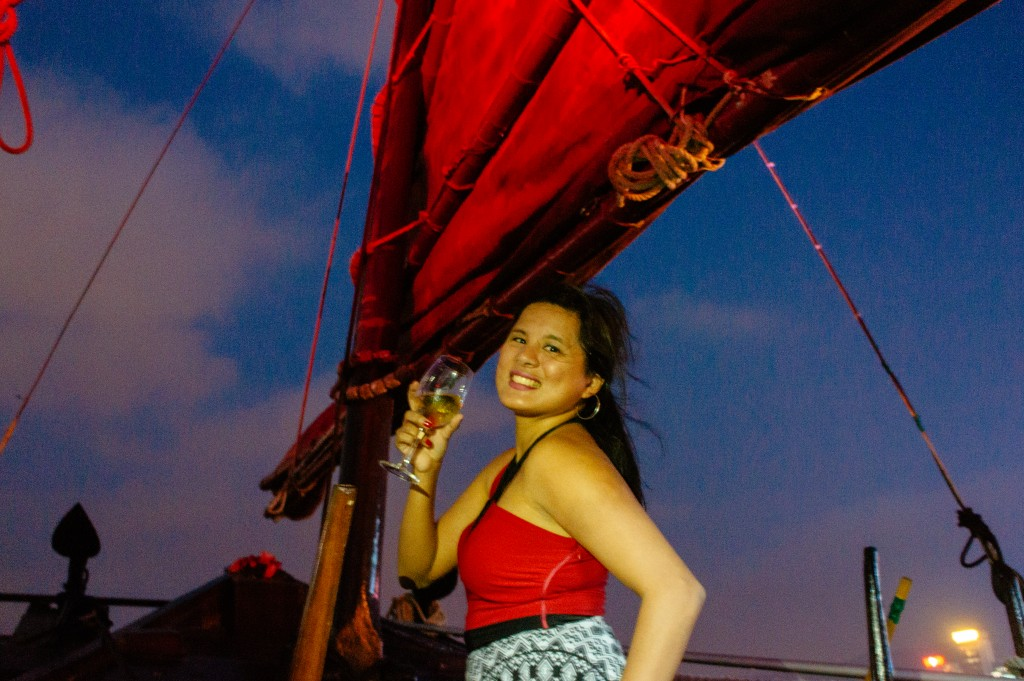 Duk Ling Cruises : Junk Boat in Victoria Harbour, Hong Kong 9