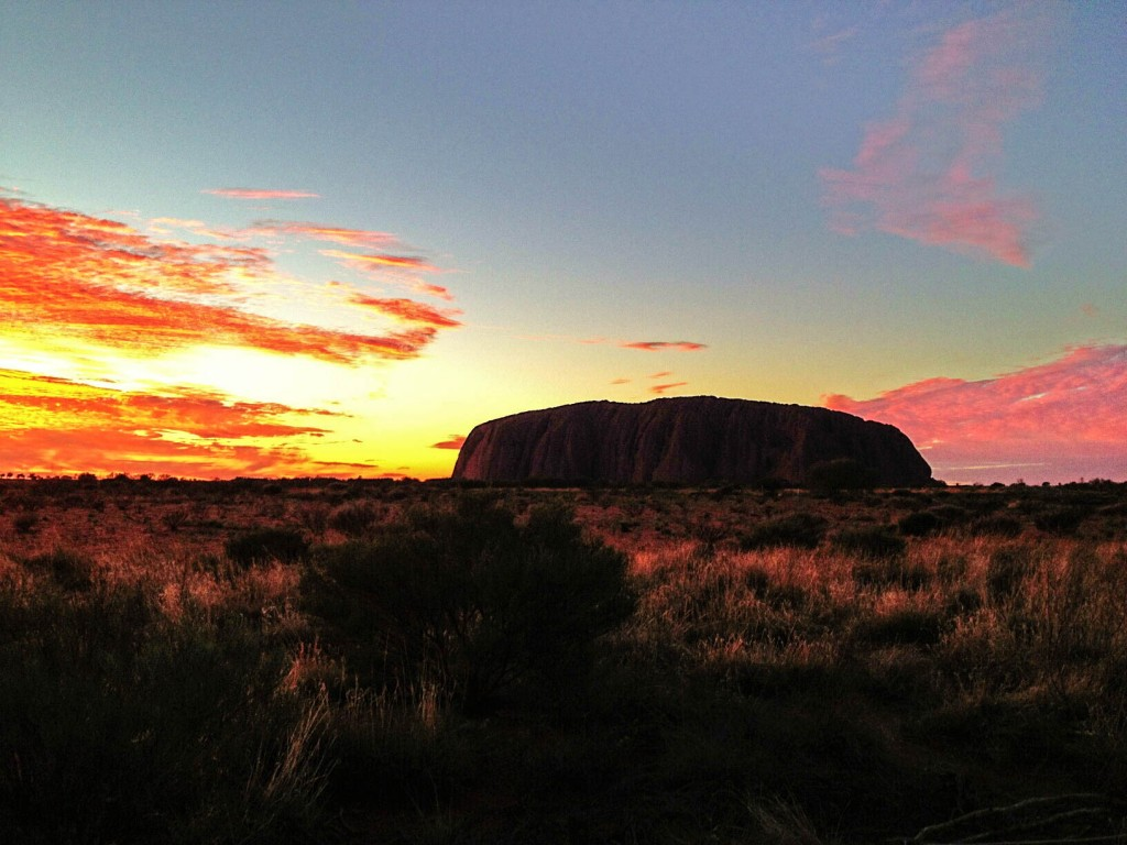 Uluru-sunrise