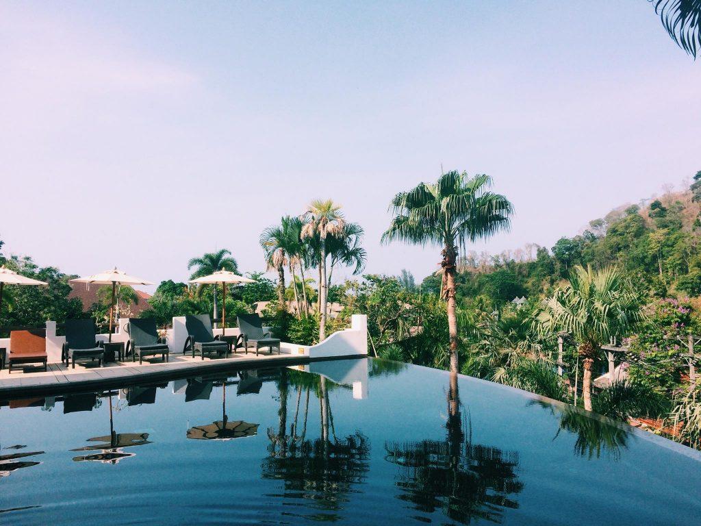 karlaroundtheworld-alisea-swimming-pool