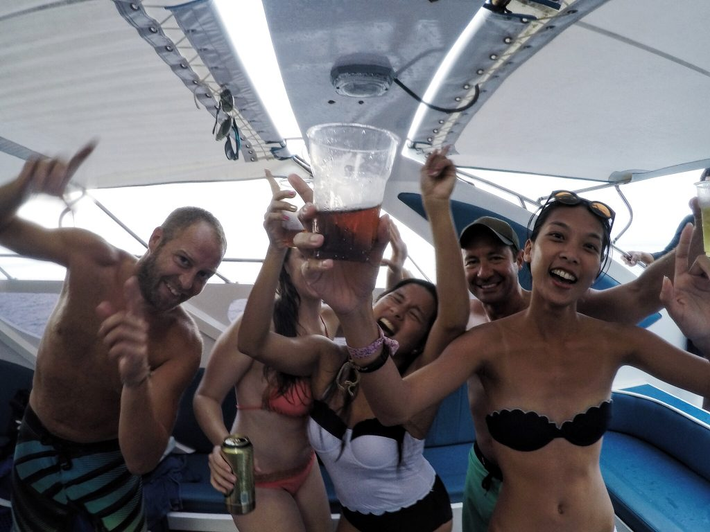 phi-phi-booze-cruise