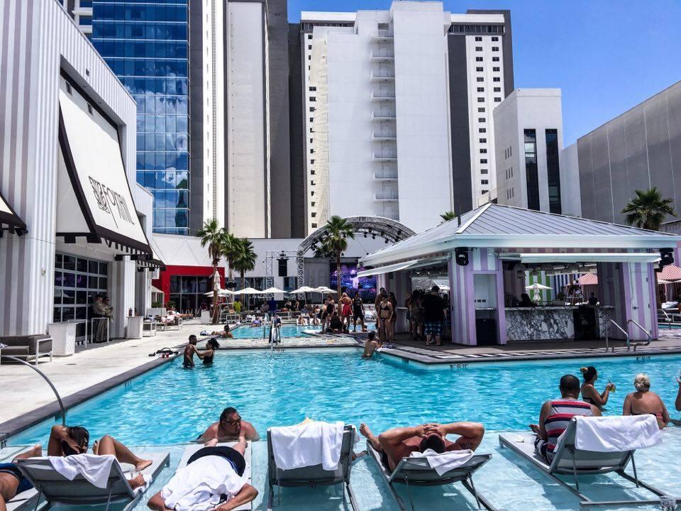 Las Vegas Pool Party Tour