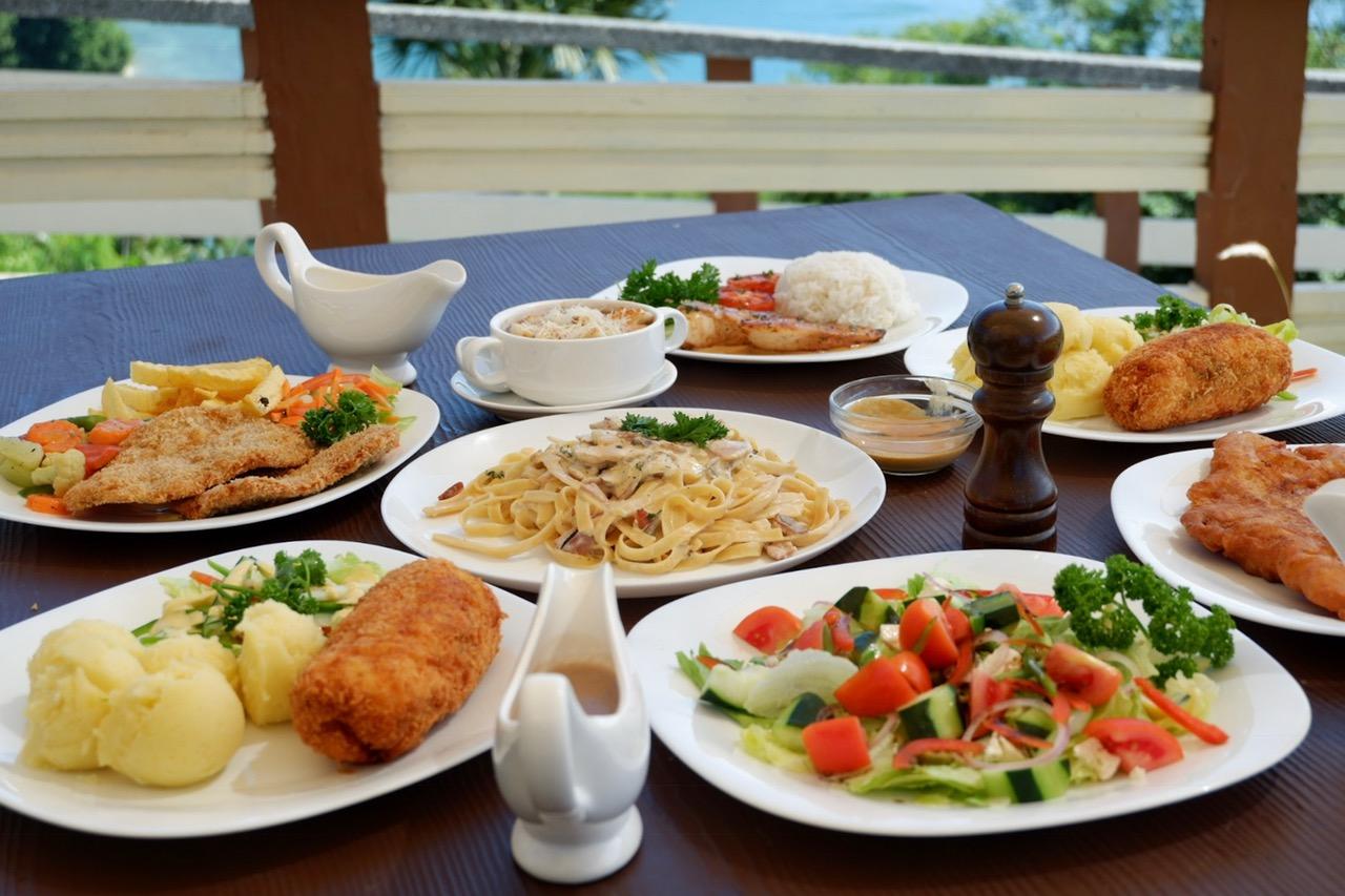 Utopia-resort-and-spa-food