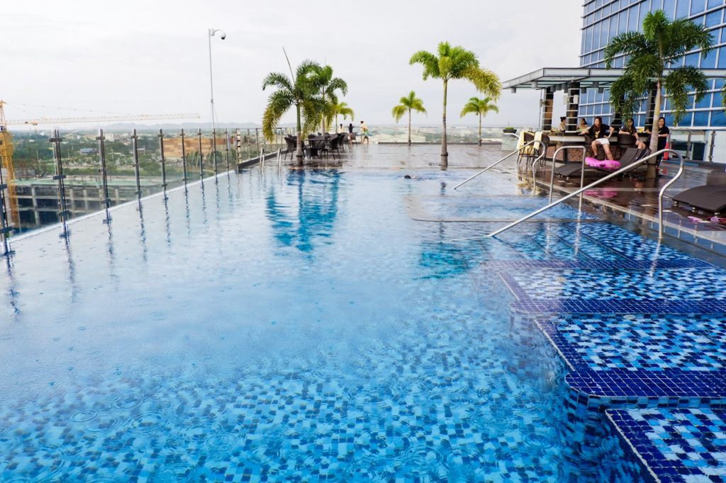 Richmonde-iloilo-pool