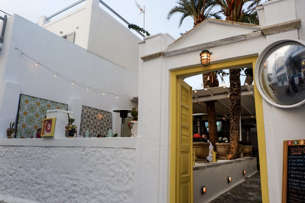 Restaurant-in-Mykonos