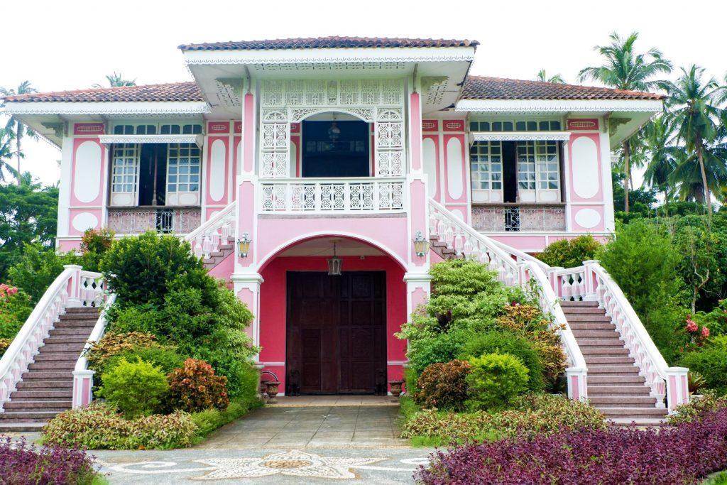 Villa-Escudero