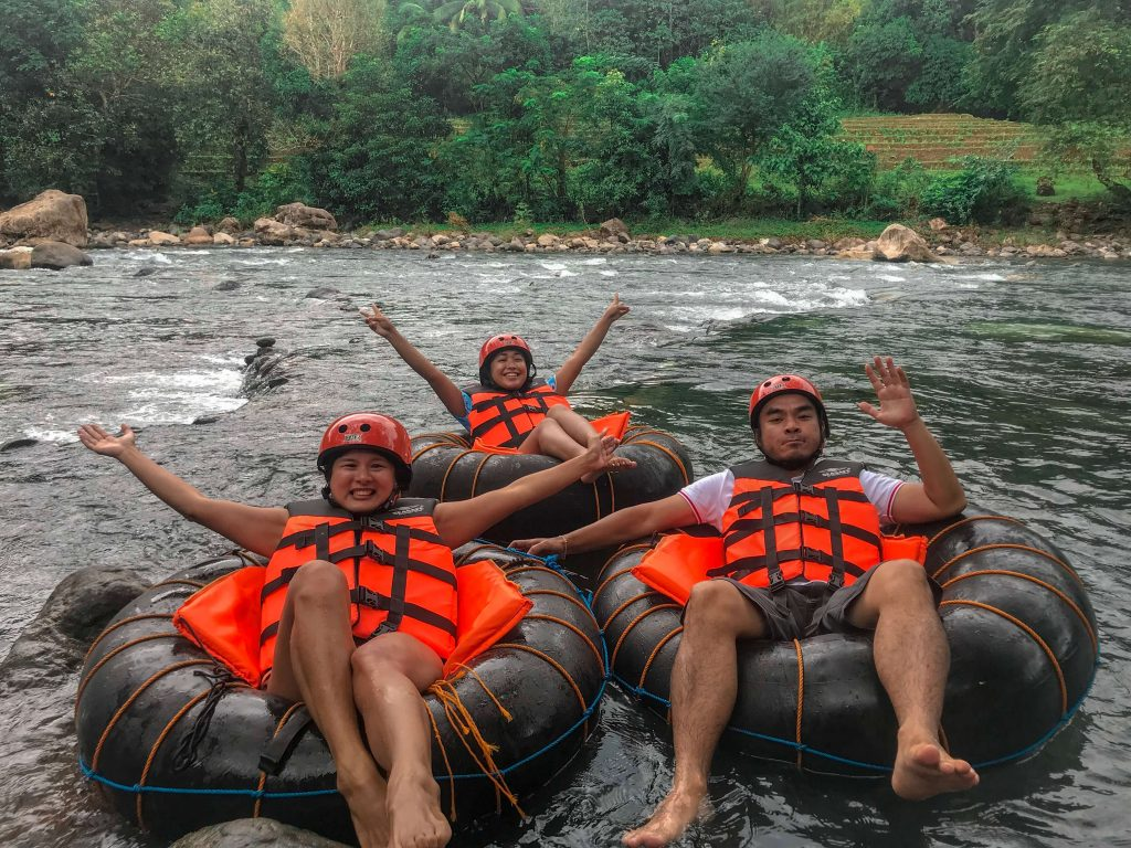 Rivertubing-Tibiao-Karlaroundtheworld