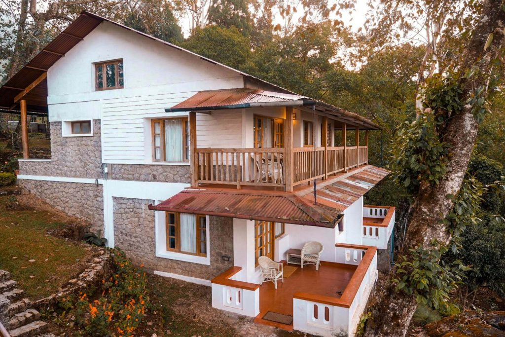 Best-Places-to-stay-in-Munnar