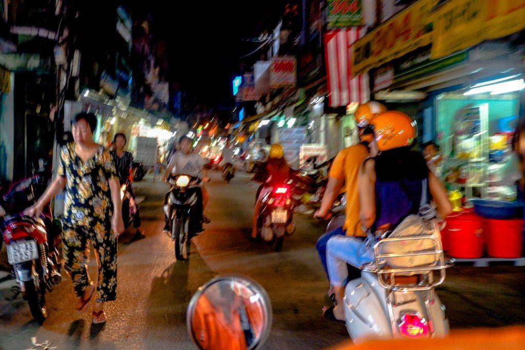 Vespa-Saigon-After-Dark-Karlaroundtheworld