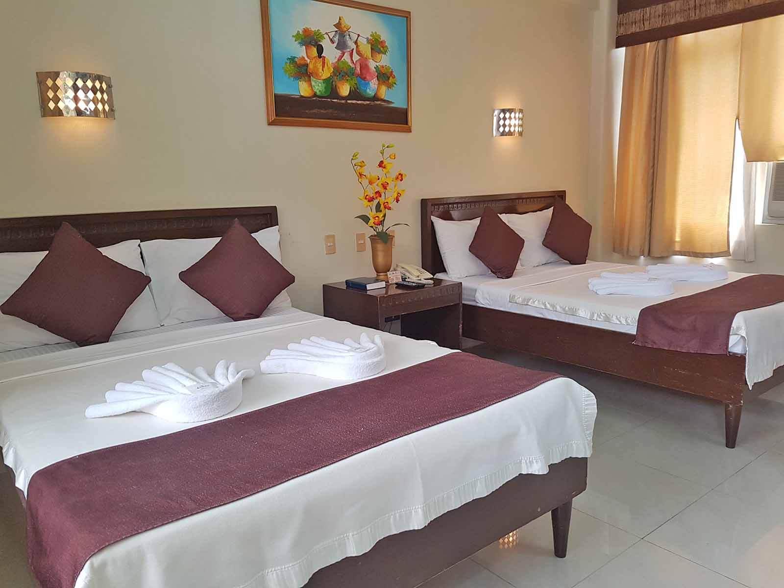Splash Mountain Laguna Resort - Splash Oasis Rooms