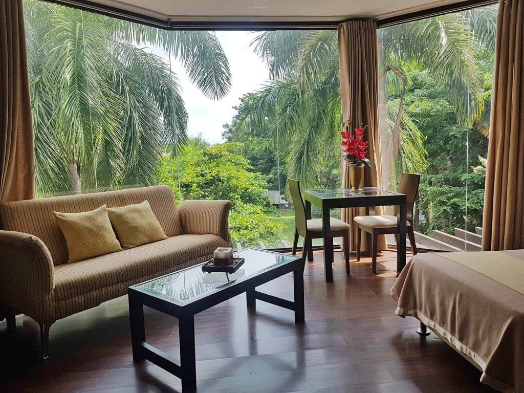 Splash Mountain Laguna Resort - Splash Suites