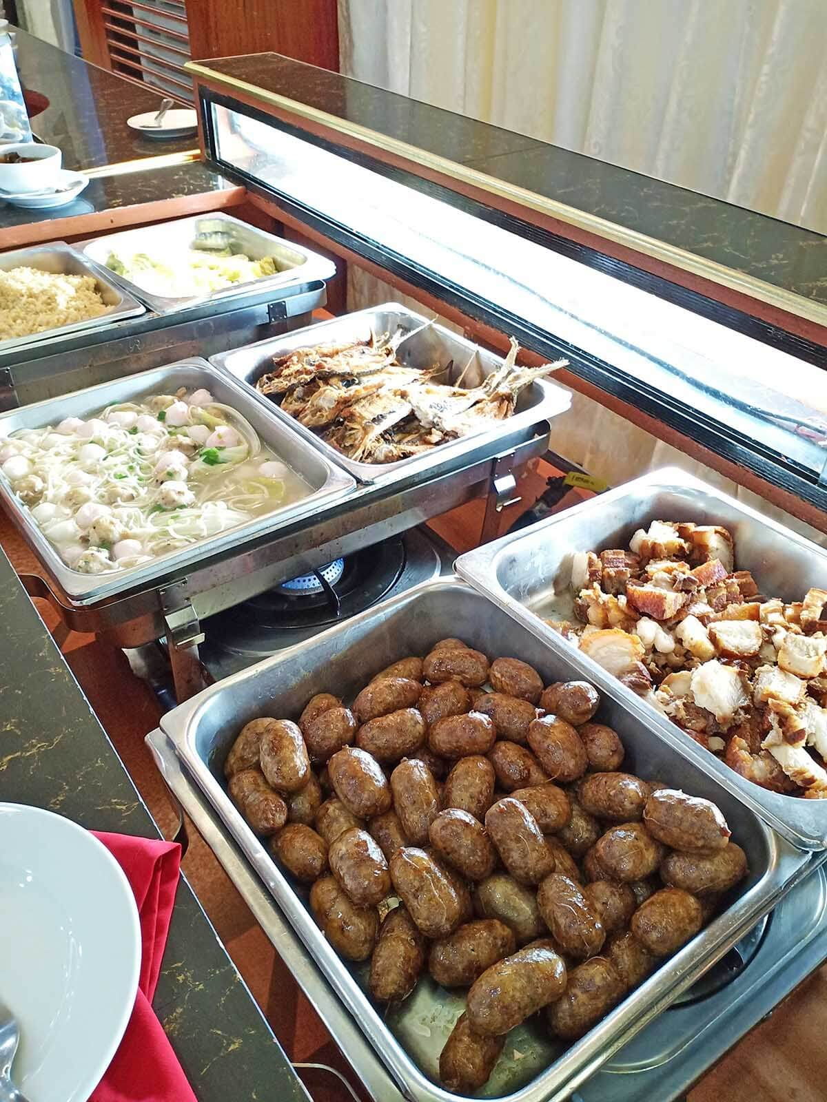 Santa Ana Cagayan Travel Guide - Eastern Hawaii Hotel - Buffet Food