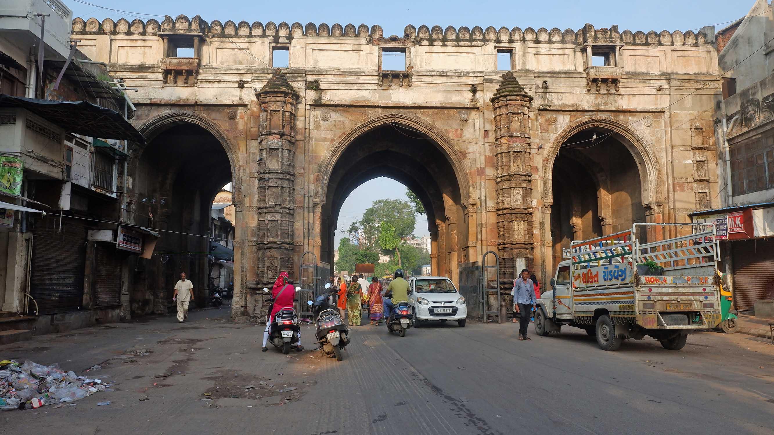 Gandhi Circuit Tour India - Teen Daraja