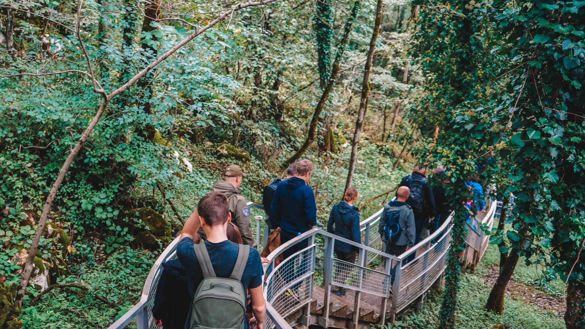 Prometheus Cave trail