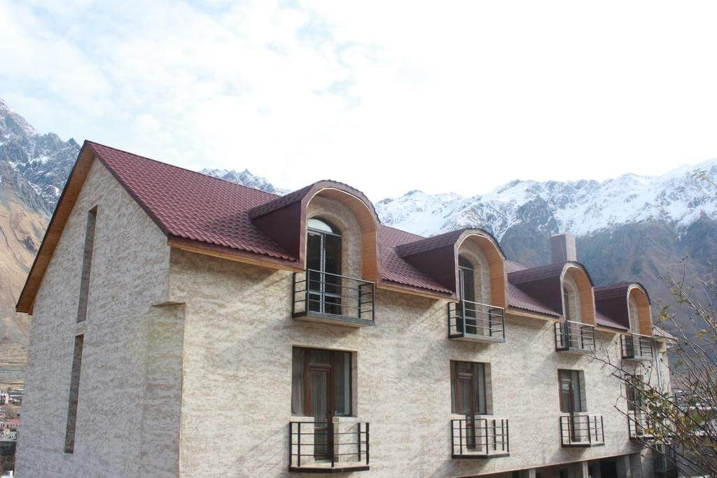 where to stay in Kazbegi