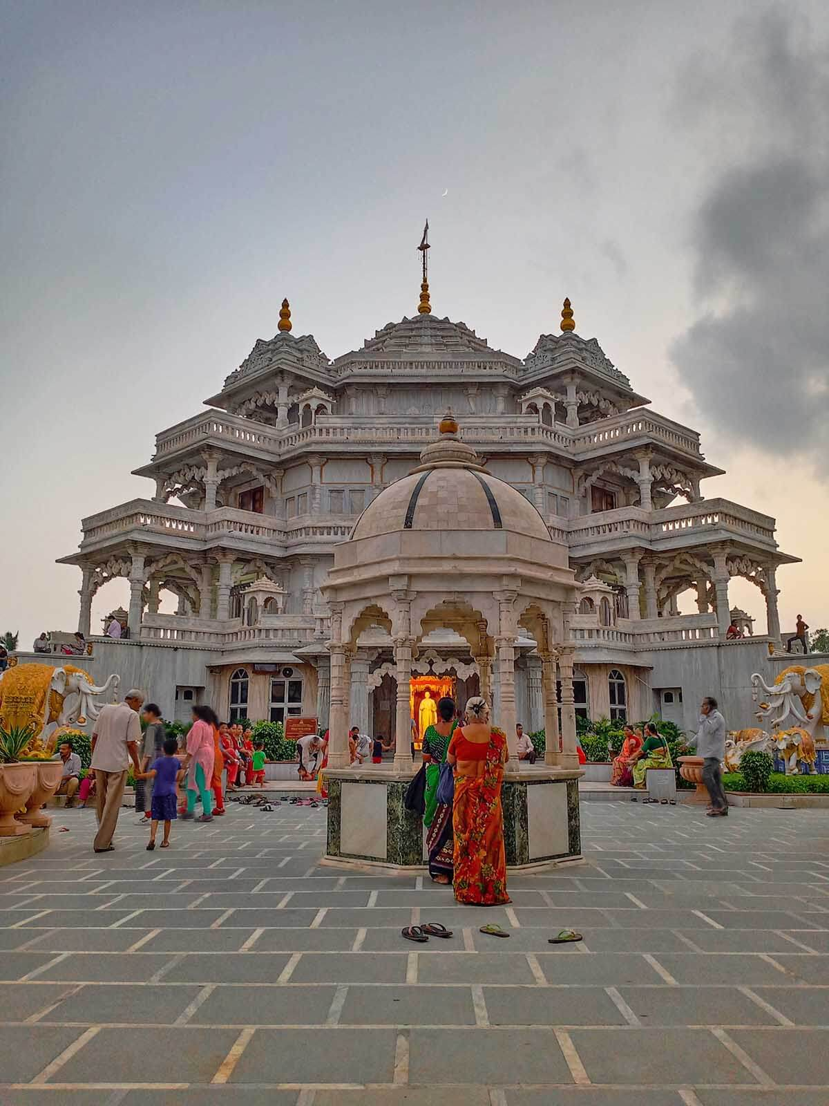 Instagrammable Spots in Gandhi Circuit Gujarat India - Shree Muktajeevan Swamipaba Smruti Mandir