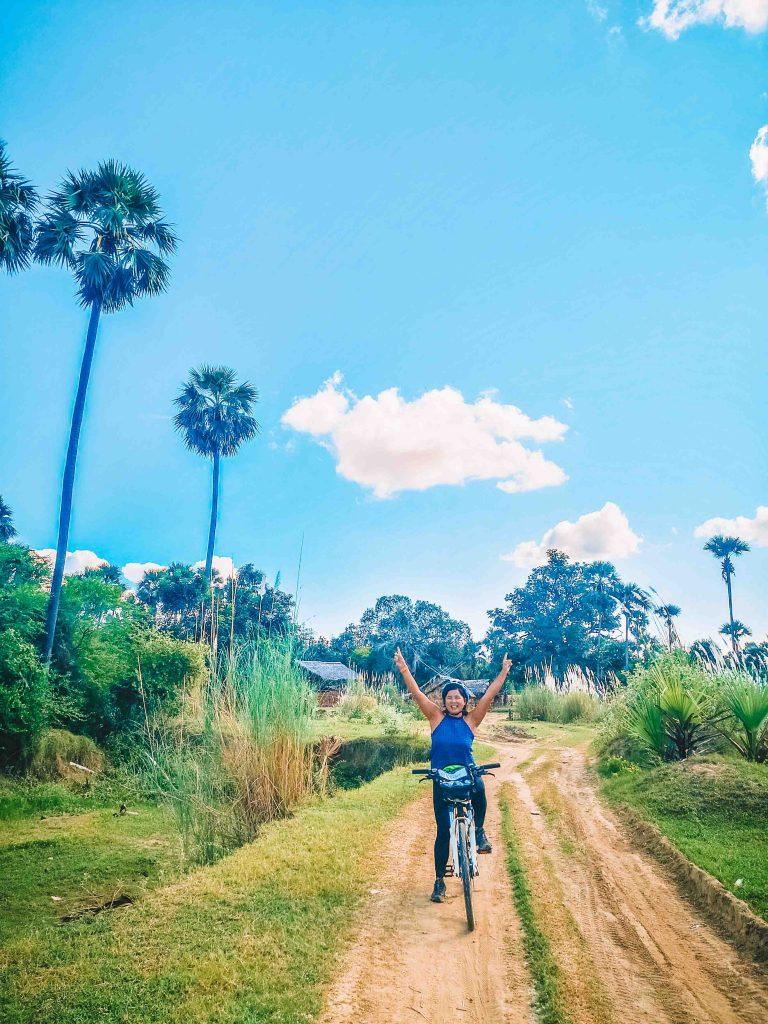 Grasshopper Bagan Tour