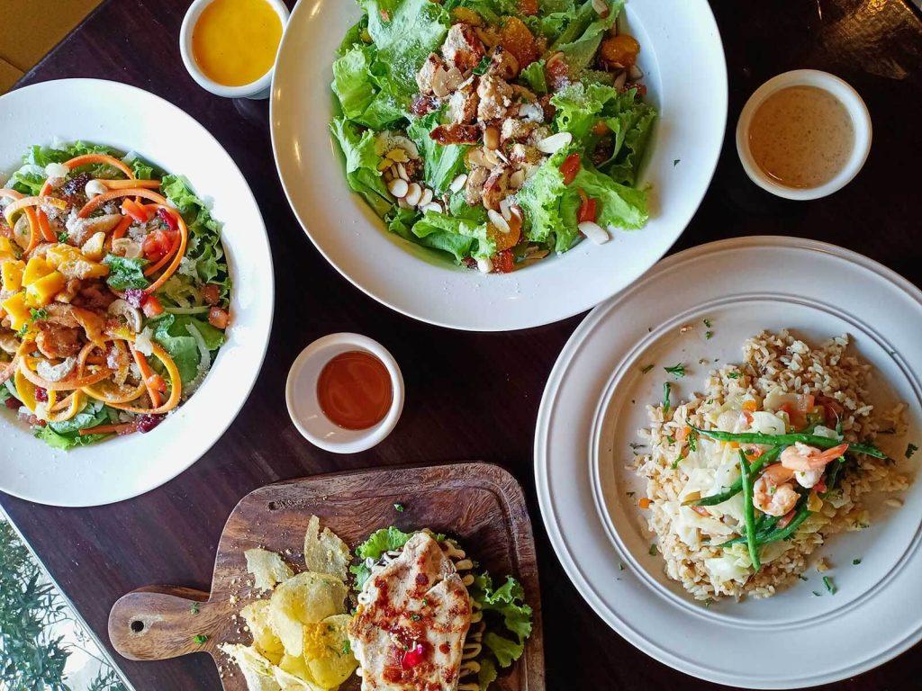 Morong Bataan Travel Guide - Wooden Leaf Cafe